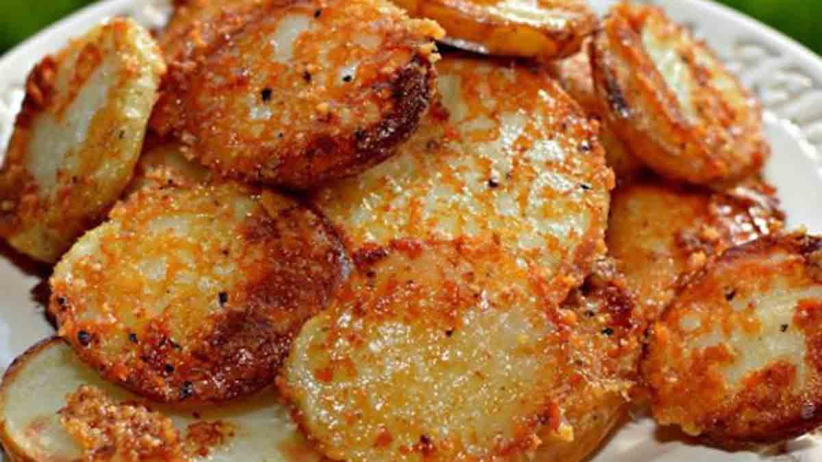 La meilleure recette de pommes de terre gratinées au fromage parmesan extrêmement fondantes